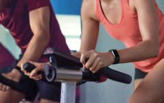 fitbit-charge-2_woman_spin_lifestyle