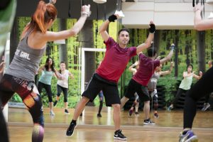 strong-by-zumba-apertura