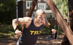trx-go-suspension-trainer-man