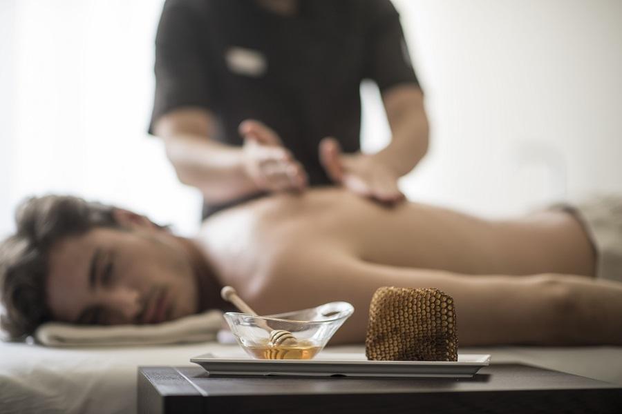 Massaggio con miele altoatesino terme merano ok