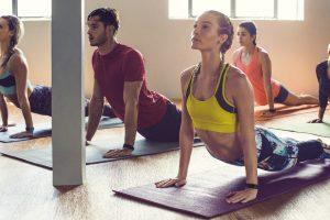 fitbit-charge-2_yoga-studio_lifestyle