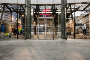 New Balance apre il primo flagship store a Milano - Myfitnessmagazine