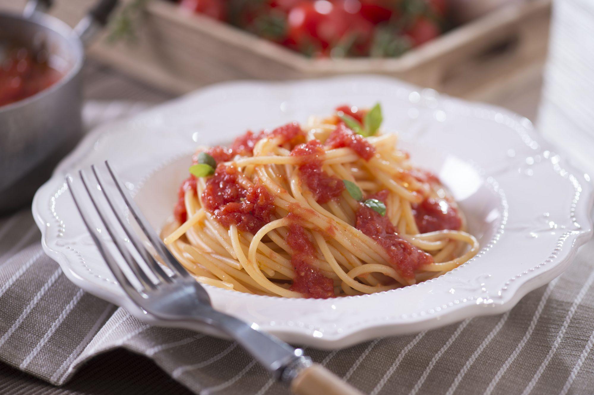spaghetti pomodoro e basilico_alta